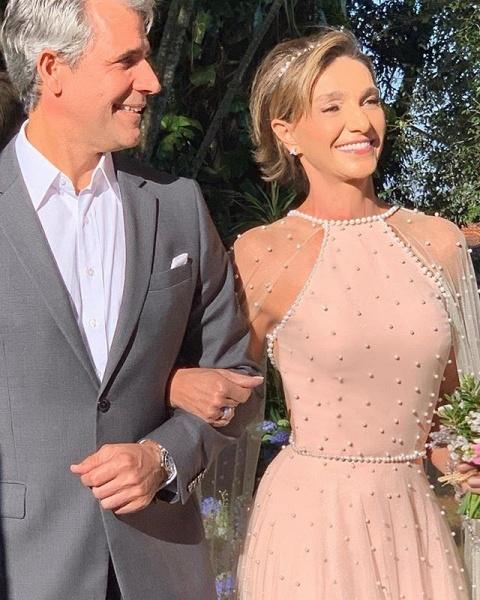 Wonderful Jewel Beading A-line Prom Dress_4