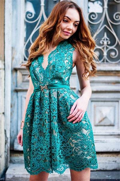 Sttlish Lace Sleeveless V-Neck Homecoming Dress_2