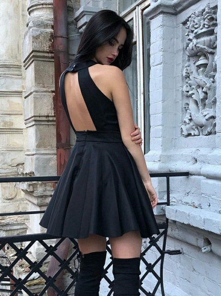 Sexy Halter Open Back Homecoming Dress_3