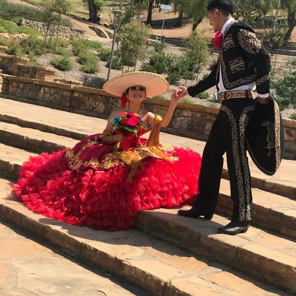 Best Sweetheart Satin Ball Gown Quinceanera Dress_3