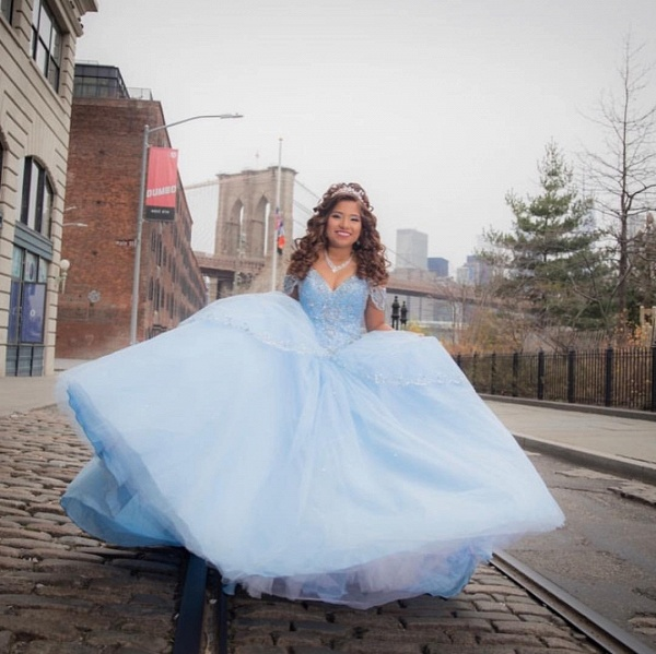 Latest Off-the-shoulder Tulle Ball Gown Quinceanera Dress_3