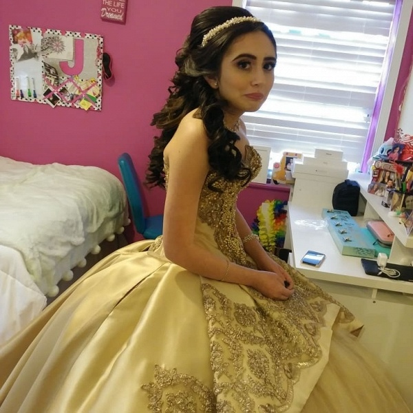Chic Sweetheart Satin Ball Gown Quinceanera Dress_3