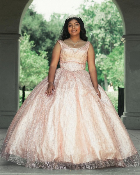 Marvelous Lace Scoop Ball Gown Quinceanera Dress_2