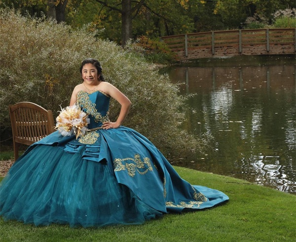 Attractive Sweetheart Satin Ball Gown Quinceanera Dress_4