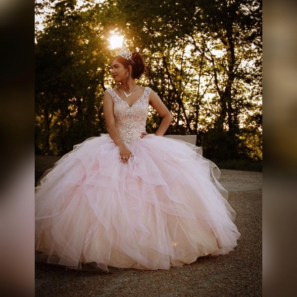 Marvelous V-neck Tulle Ball Gown Quinceanera Dress_3