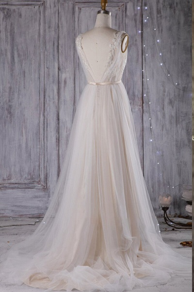 Graceful Appliques Sweep Train A-line Wedding Dress_7