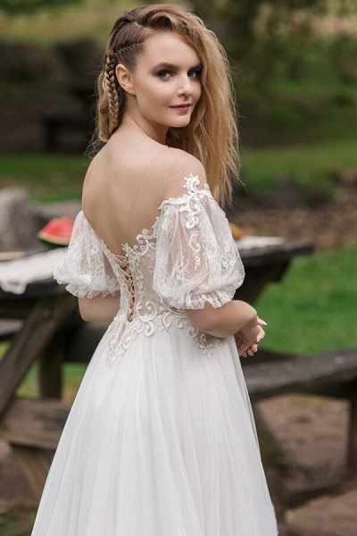 Elegant Half-sleeve Appliques Tulle Wedding Dress_5