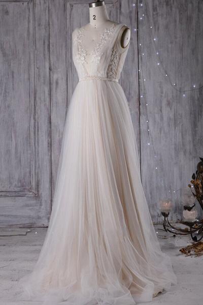 Graceful Appliques Sweep Train A-line Wedding Dress_5