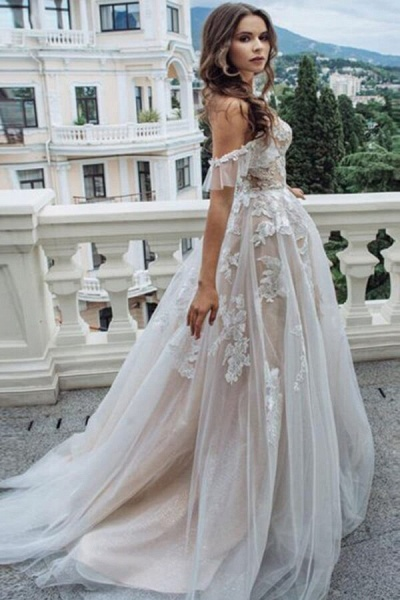 Appliques Court Train A-line Tulle Wedding Dress_4