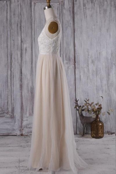 Elegant V-neck Lace A-line Wedding Dress_5