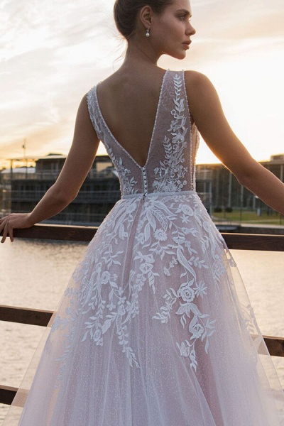 V-neck Lace Tulle Cathedral Train Wedding Dress_5