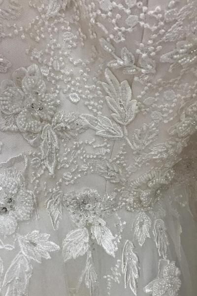 Amazing Appliques Tulle Chapel Train Wedding Dress_10