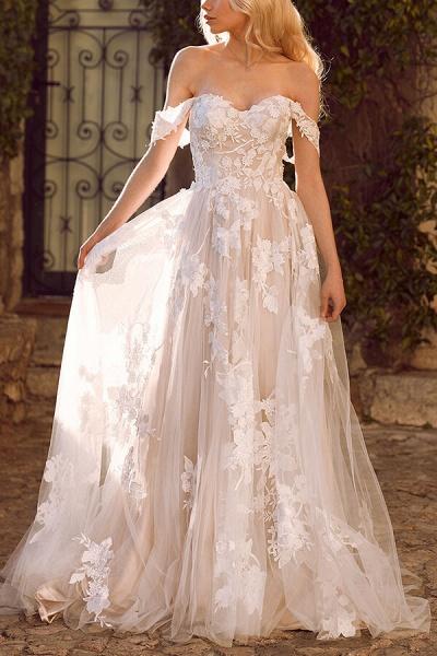 Elegant Chapel Train Appliques Tulle Wedding Dress_1