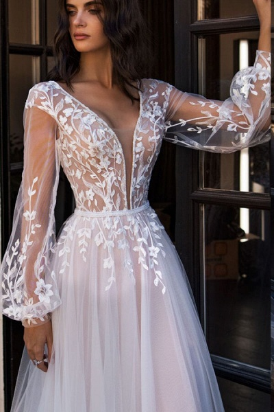 Chic Chapel Train Long Sleeve Tulle Wedding Dress_4