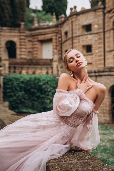Graceful Long Sleeve A-line Tulle Wedding Dress_5