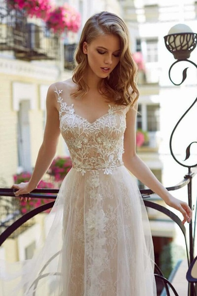 Graceful Appliques Tulle A-line Wedding Dress_4