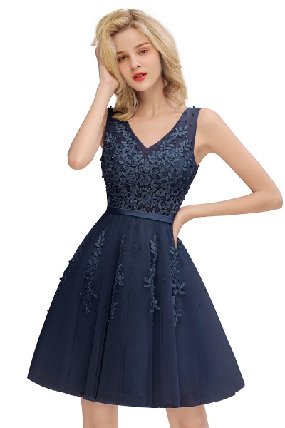 Sexy V-neck Lace-up Short Homecoming Dress with Lace Appliques_4