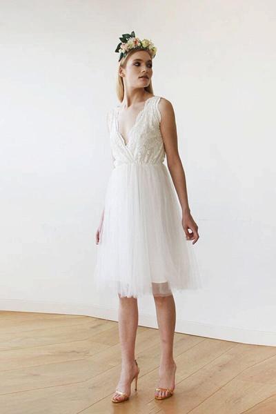 V-neck Lace Tulle Knee Length Wedding Dress_3