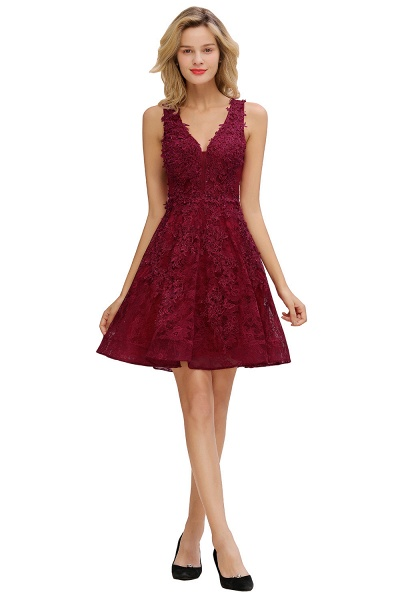 Princess V-neck Knee Length Lace Appliqued Homecoming Dress_10