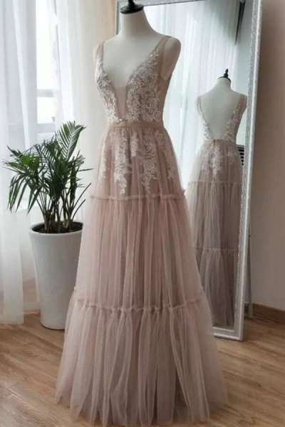 Chic Appliques A-line Tulle Wedding Dress_2