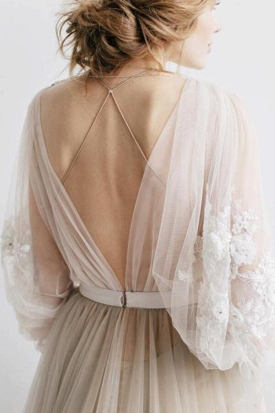 Graceful Appliques Long Sleeve Tulle Wedding Dress_5
