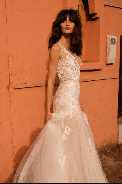 Elegant V-neck Applique Tulle Mermaid Wedding Dress_3