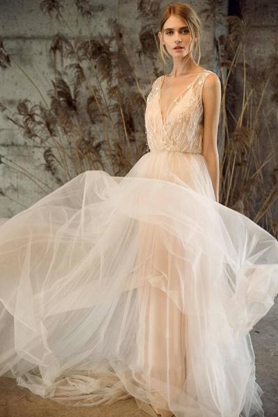 Awesome V-neck Tulle Chapel Train Wedding Dress_1