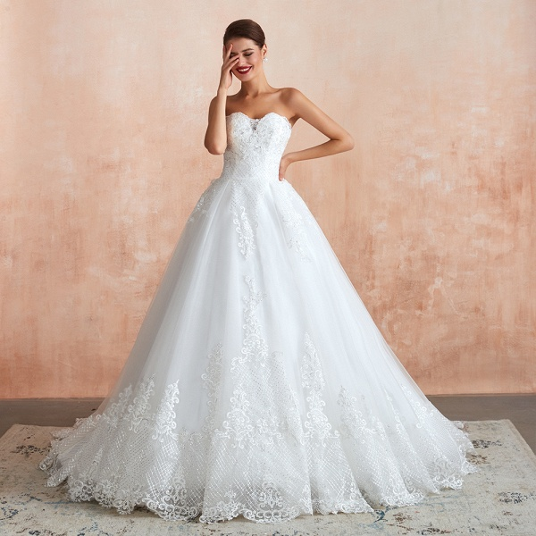 Stylish Strapless Appliques Tulle Wedding Dress_1