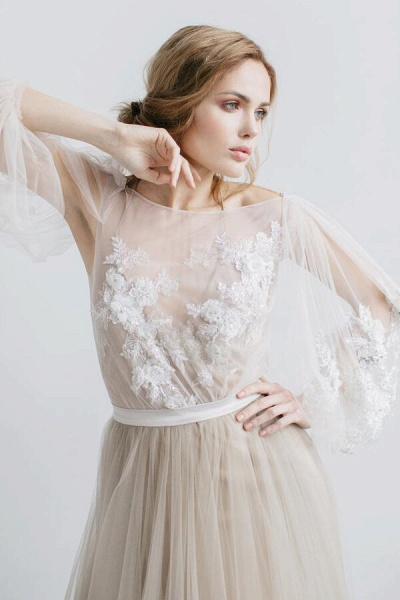 Graceful Appliques Long Sleeve Tulle Wedding Dress_4