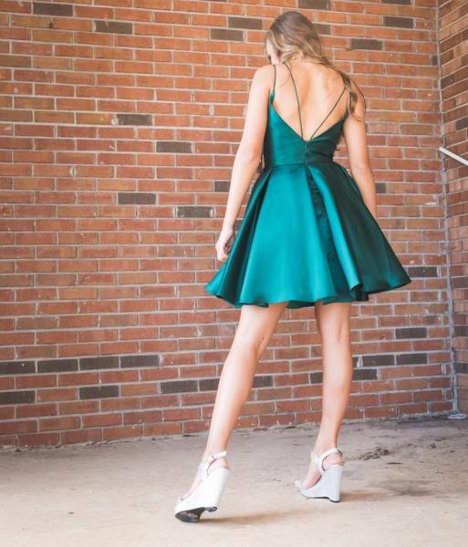 Cheap Spaghetti Straps V Neck Homecoming Dress_2