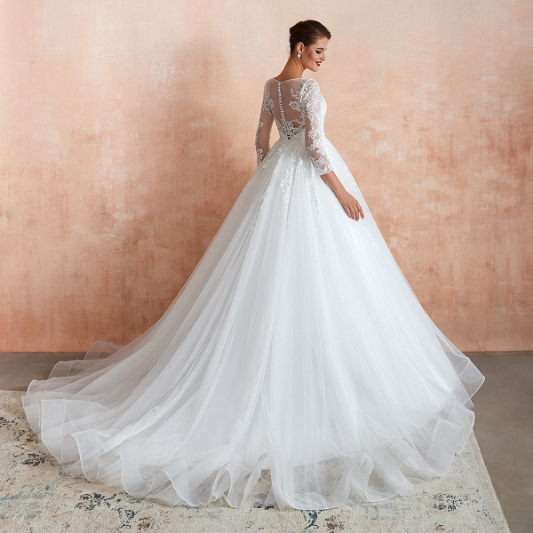 Wonderful Appliques Tulle A-line Wedding Dress_8