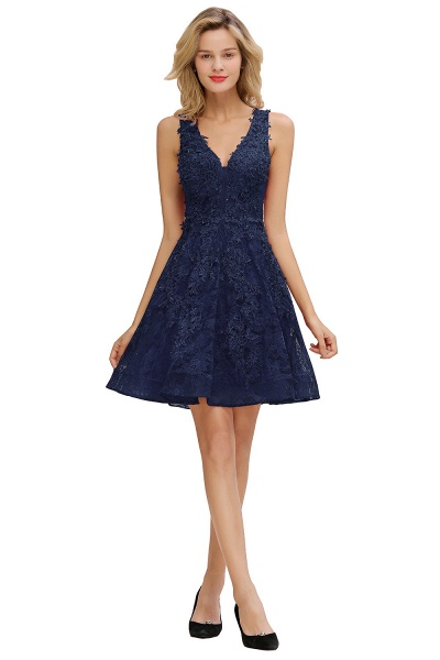 Princess V-neck Knee Length Lace Appliqued Homecoming Dress_4