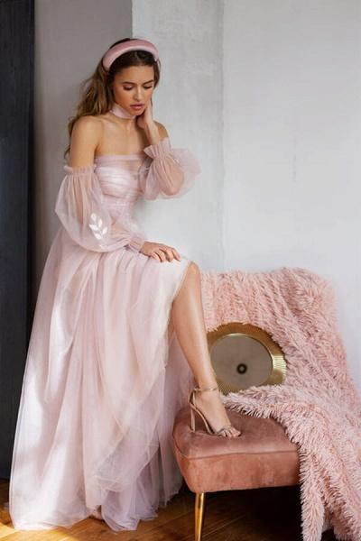 Graceful Long Sleeve A-line Tulle Wedding Dress_7
