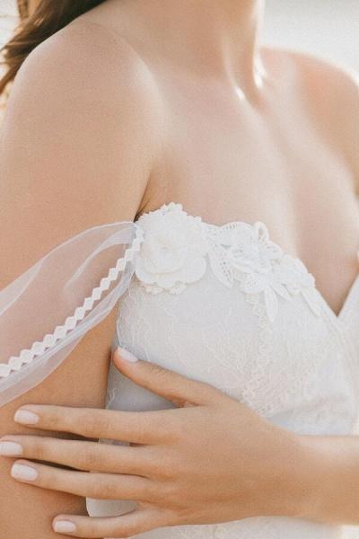 Elegant Court Train Lace Tulle Wedding Dress_6