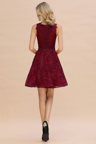 Princess V-neck Knee Length Lace Appliqued Homecoming Dress_9