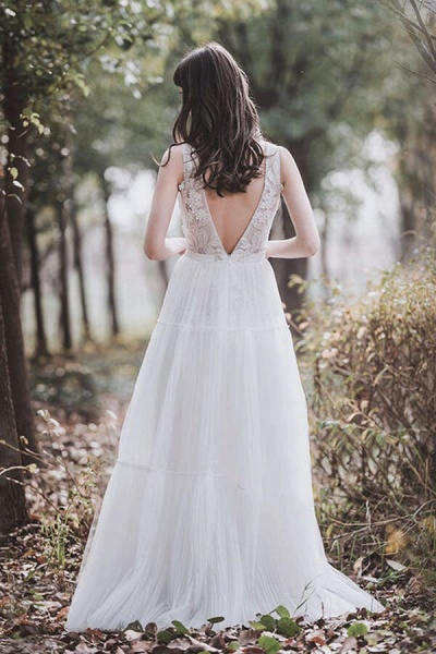 Awesome V-neck Appliques Tulle Wedding Dress_3