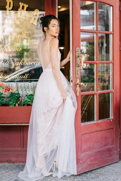 Graceful Floor Length Tulle A-line Wedding Dress_3
