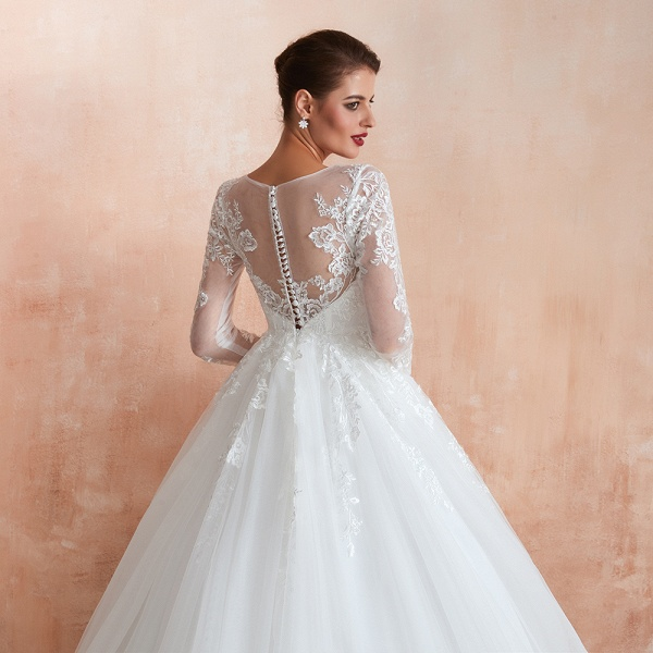 Wonderful Appliques Tulle A-line Wedding Dress_11