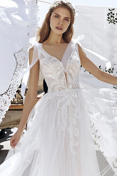 Awesome V-neck Appliques Tulle A-line Wedding Dress_7