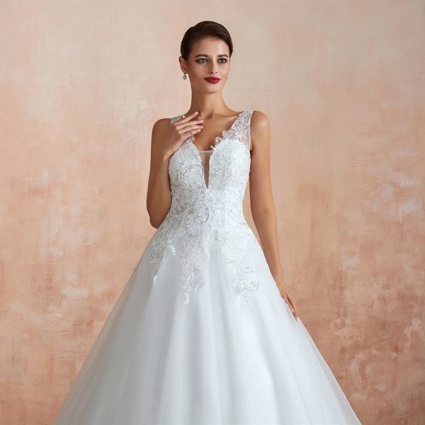 Exquisite Appliques Tulle A-line Wedding Dress_9