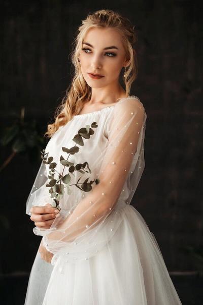 Best Pearl Long Sleeve Tulle A-line Wedding Dress_5