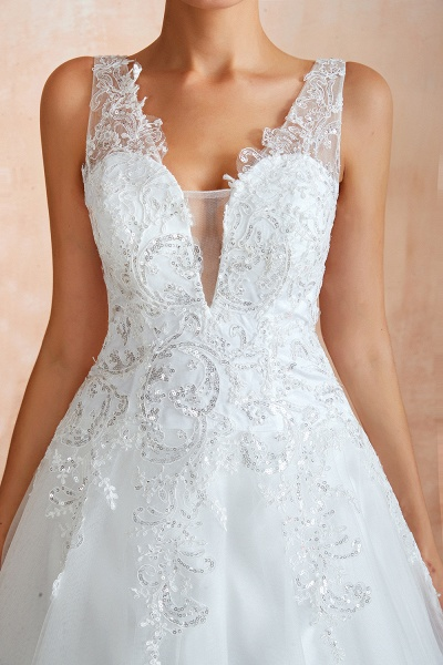 Exquisite Appliques Tulle A-line Wedding Dress_11
