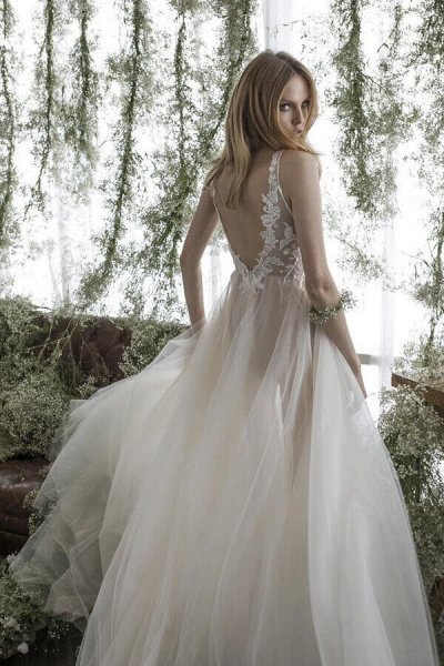 Latest V-neck Appliques Tulle A-line Wedding Dress_3