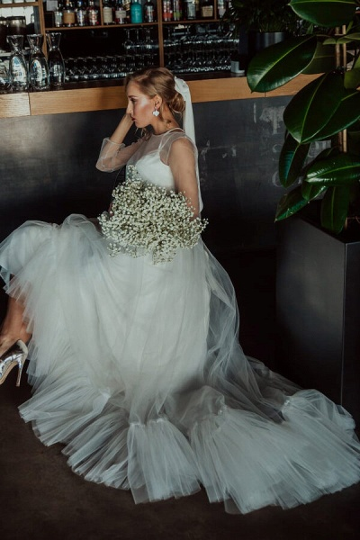 Modest Long Sleeve Tulle Chapel Train Wedding Dress_5