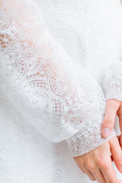 Long Sleeve V-neck Lace Tulle A-line Wedding Dress_8