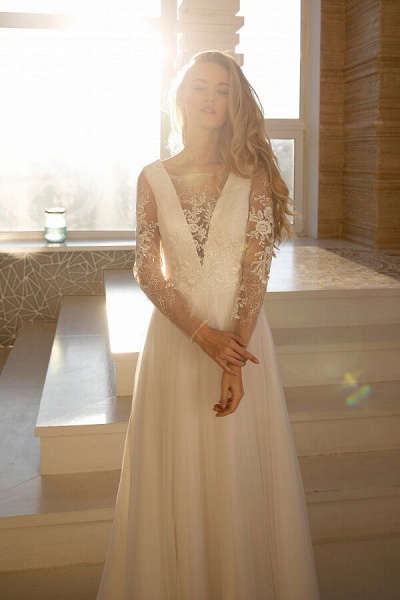 Awesome Long Sleeve Lace Tulle A-line Wedding Dress_4