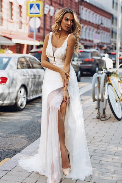 Chic Front Slit Tulle A-line Wedding Dress_1