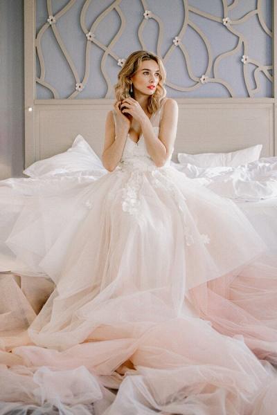 Affordable V-neck Appliques Wedding Dress_5