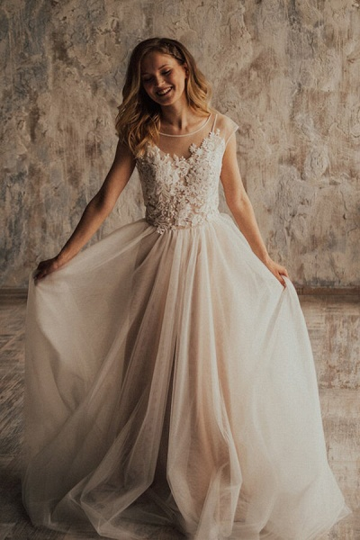 Elegant Appliques Tulle A-line Wedding Dress_1