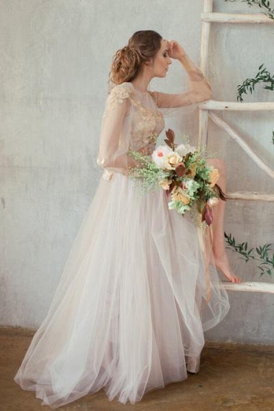 Elegant Long Sleeve Appliques Tulle Wedding Dress_3